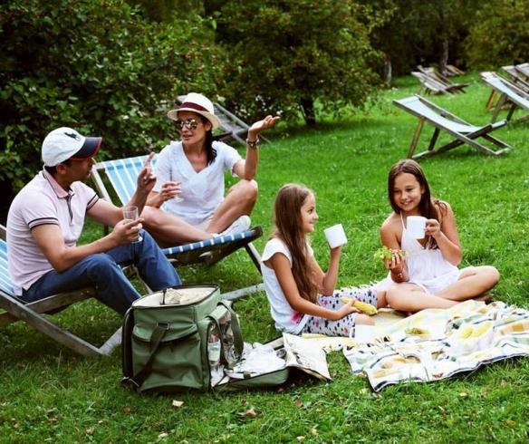 Влаштувати пікнік