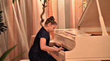 "A concert of classical music ""CHILDREN ARE UKRAINE'S REAL TREASURE!"""