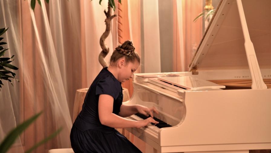 Концерт класичної музики «ДІТИ – СПРАВЖНІ СКАРБИ УКРАЇНИ!»