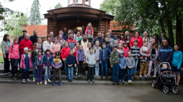 Ученики детской воскресной школы Владимирского собора посетили Межигорский монастырь.